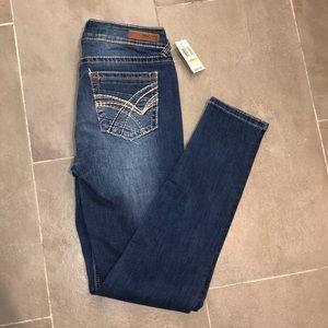 Wallflower Stretch Jeans Size 7 Regular Skinny NWT